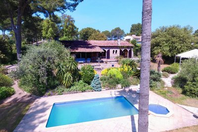House for sale in BIOT  - 5 rooms - 200 m²