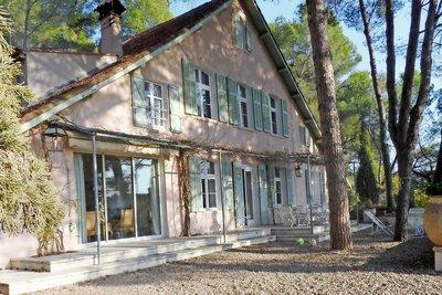 Maison à vendre à AIX-EN-PROVENCE  - 8 pièces - 280 m²