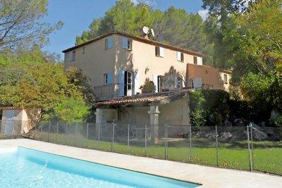 Maison à vendre à LE THOLONET  - 7 pièces - 293 m²