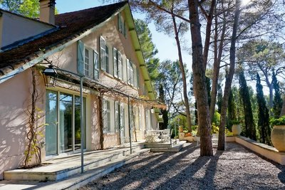 House for sale in AIX-EN-PROVENCE  - 8 rooms - 280 m²