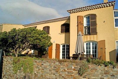 Maison à vendre - 6 pièces - 210 m²s