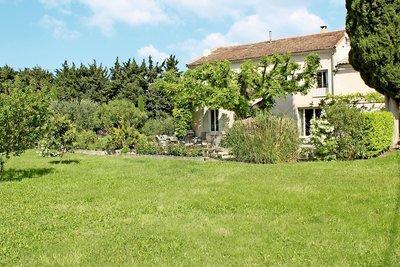 Maison à vendre à NOVES  - 14 pièces - 300 m²