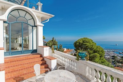 Apartment for sale in BEAULIEU-SUR-MER  - 8 rooms - 179 m²