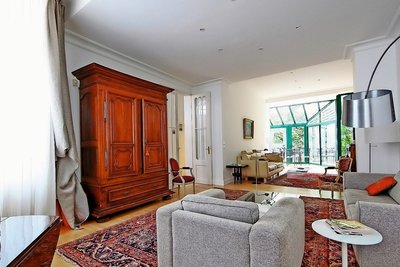 House for sale in BORDEAUX  - 7 rooms - 198 m²