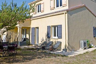Maison à vendre à TAULIGNAN  - 6 pièces - 132 m²