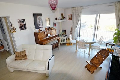 Apartment for sale in ST-JEAN-DE-LUZ  - 3 rooms - 85 m²