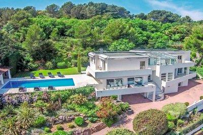 Maison à vendre à GOLFE JUAN  - 6 pièces - 440 m²
