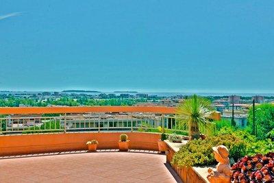Appartement à vendre à MANDELIEU-LA-NAPOULE  - 4 pièces - 130 m²