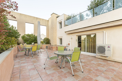 Apartment for sale in AIX-EN-PROVENCE  - 5 rooms - 212 m²