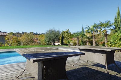 Maison à vendre à CHARNAY LES MACON  - 7 pièces - 215 m²