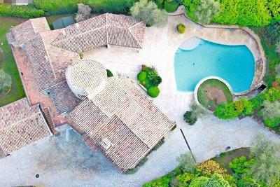Maison à vendre à PEYMEINADE  - 9 pièces - 350 m²