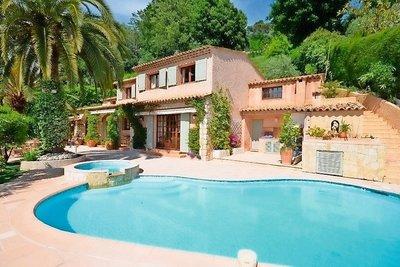 Maison à vendre à ST-PAUL-DE-VENCE  - 6 pièces - 249 m²