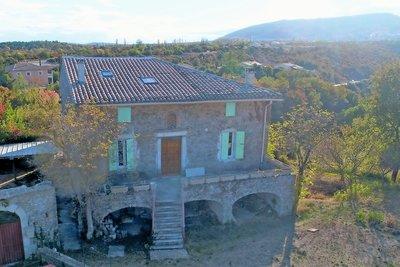 Maison à vendre à ST REMEZE  - 4 pièces - 170 m²