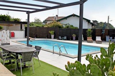- 6 rooms - 179 m²