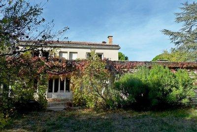 Maison à vendre à ST-PAUL-TROIS-CHATEAUX  - 13 pièces - 230 m²