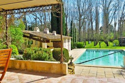 Maison à vendre à PUYRICARD  - 6 pièces - 169 m²