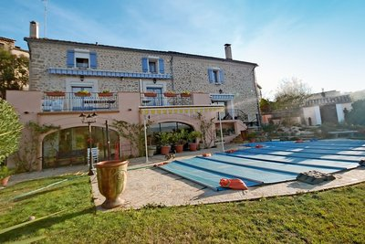 House for sale in VAISON-LA-ROMAINE  - 8 rooms - 200 m²