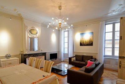 Apartment for sale in AIX-EN-PROVENCE CENTRE VILLE - 3 rooms - 90 m²