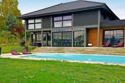 Maison à vendre à VETRAZ-MONTHOUX  - 6 pièces - 200 m²