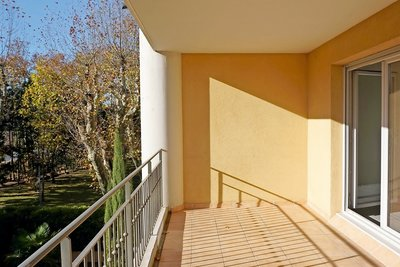 Apartment for sale in AIX-EN-PROVENCE  - 3 rooms - 64 m²