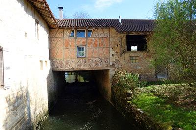 Maison à vendre à BOURG-EN-BRESSE  - 9 pièces - 290 m²