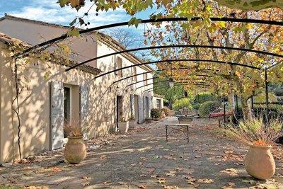 Maison à vendre à BEAURECUEIL  - 6 pièces - 200 m²