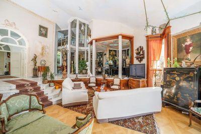 - 12 pièces - 470 m²
