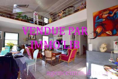 - 7 rooms - 232 m²
