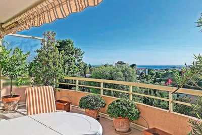 Apartment for sale in LE CANNET  - 3 rooms - 84 m²