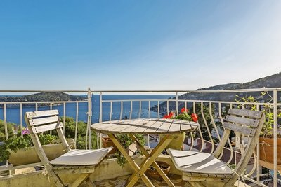 Apartment for sale in VILLEFRANCHE-SUR-MER  - 3 rooms - 64 m²