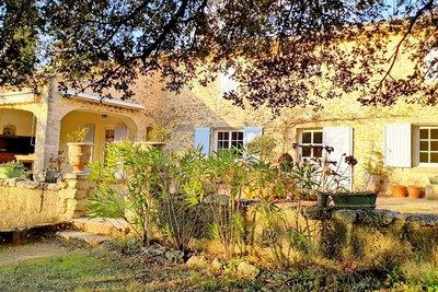 Maison à vendre à ST-PAUL-TROIS-CHATEAUX  - 7 pièces - 185 m²