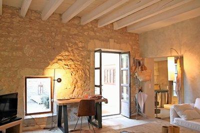Maison à vendre à FONTVIEILLE  - 6 pièces - 132 m²