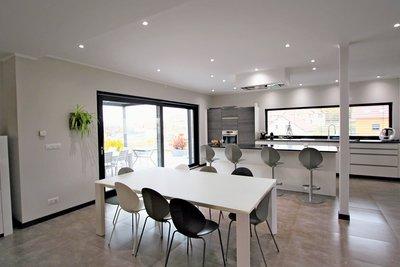 Maison à vendre à CHEVRY  - 5 pièces - 260 m²