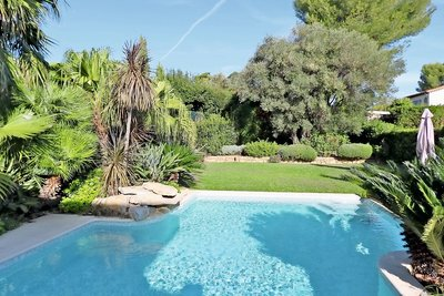 Houses for sale in Juan-les-Pins