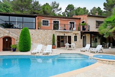 Maison à vendre à TOURRETTES-SUR-LOUP  - 12 pièces - 306 m²