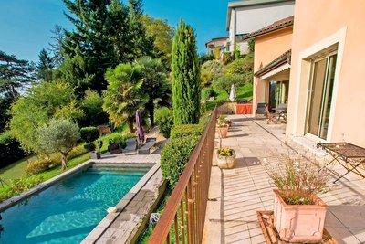 Maison à vendre à FONTAINES ST MARTIN  - 7 pièces - 183 m²