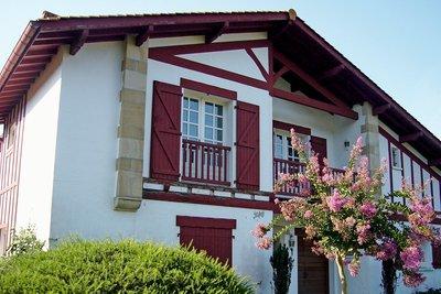 - 8 rooms - 220 m²