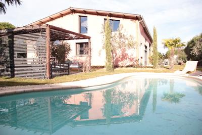 Maison à vendre à LIVRON-SUR-DROME  - 10 pièces - 330 m²