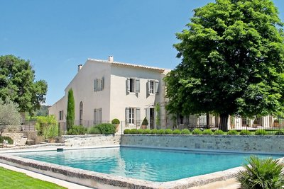 House for sale in AIX-EN-PROVENCE  - 12 rooms - 450 m²