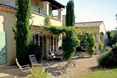 Maison à vendre à EYGALIERES  - 7 pièces - 254 m²