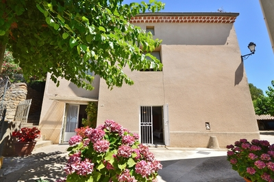 House for sale in UZES  - 6 rooms - 139 m²