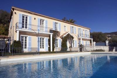 Maison à louer à VILLEFRANCHE-SUR-MER  - 7 pièces - 350 m²