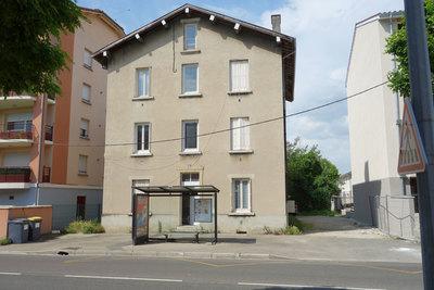 Maison à vendre à AMBERIEU-EN-BUGEY  - 18 pièces - 270 m²