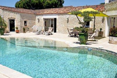 Maison à vendre à LA ROCHELLE  - 14 pièces - 548 m²