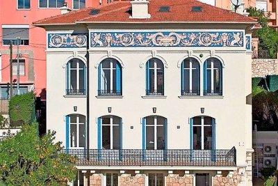Maison à vendre à BEAUSOLEIL   - 270 m²