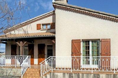 Maison à vendre à ST REMEZE  - 7 pièces - 160 m²