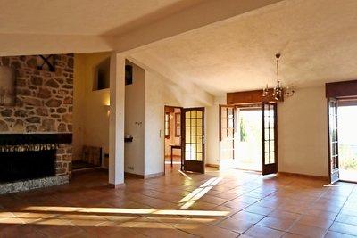 Maison à vendre à TOURRETTES-SUR-LOUP  - 5 pièces - 155 m²