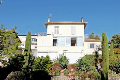 Maison à vendre à VENCE  - 9 pièces - 190 m²