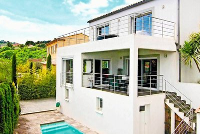 Maison à vendre à PEGOMAS  - 5 pièces - 210 m²