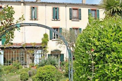 House for sale in VAISON-LA-ROMAINE   - 400 m²